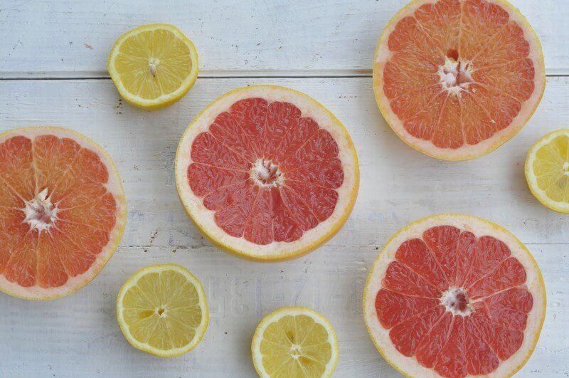grapefruit und zitronen