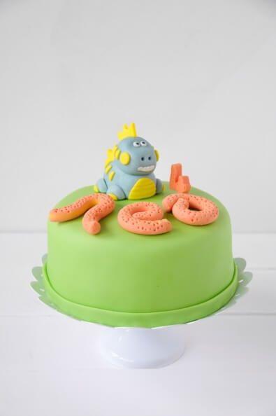 fondant dino torte