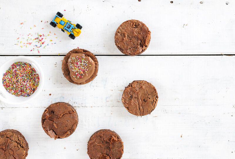brownie törtchen kindergeburtstag matchbox auto zuckerstreusel junge
