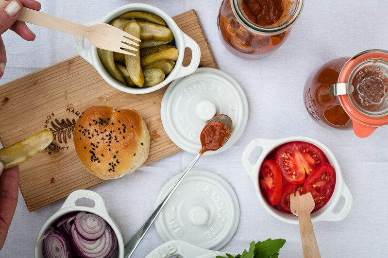 rhabarber garten fest rhabarberkuchen rhabarberketchup burger homemade gin tonic trickytine