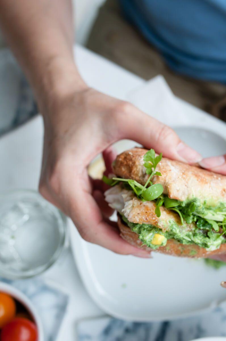 fischburger mit grüner sauce und kress-16