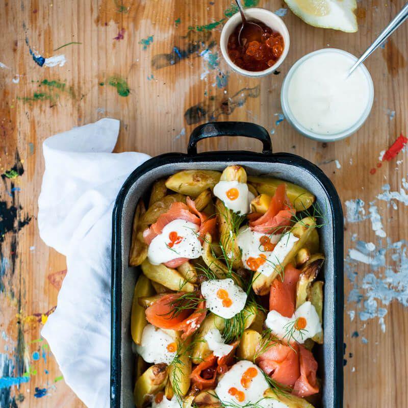 ofenkartoffelsalat mit wildlachs, meerrettichcreme und dill