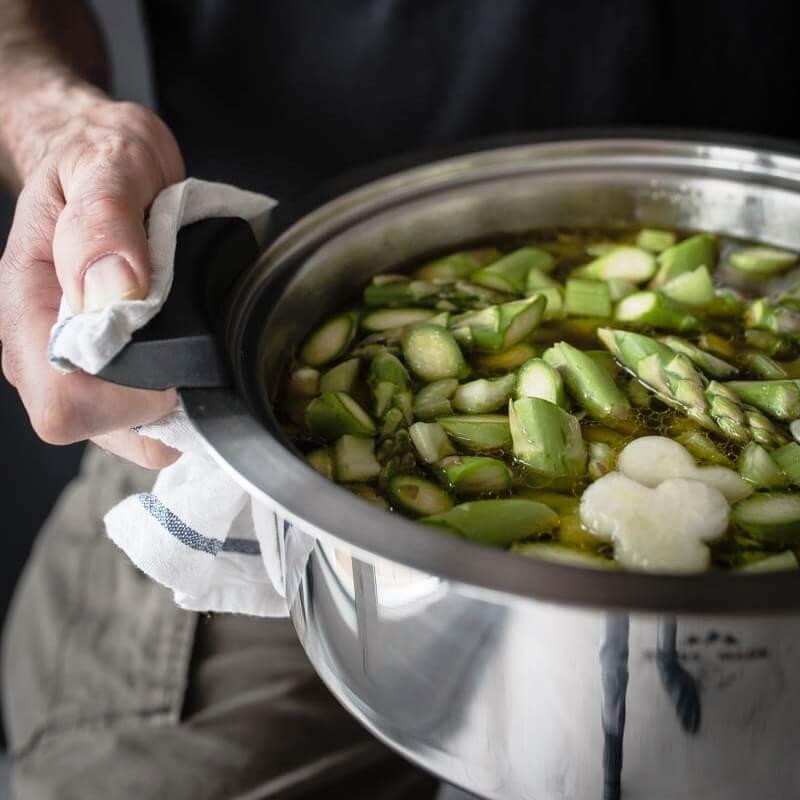 Grüne Spargel Minestrone Eintopf Suppe trickytine