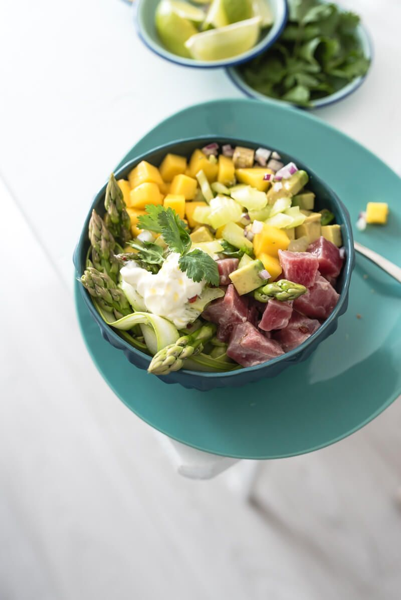 tuna ceviche bowl mango avocado spargel trickytine