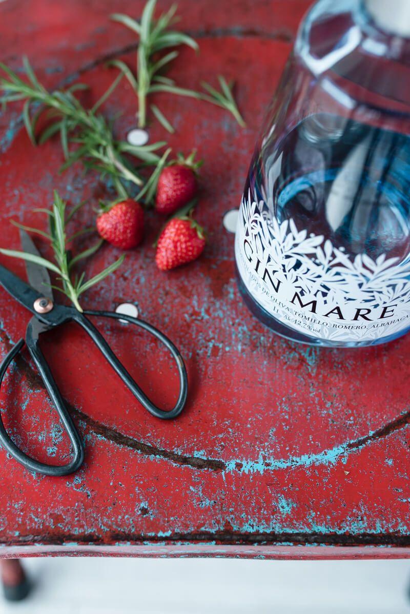 erdbeer gin rosmarin slush trickytine