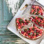 riesen cookie mascarpone erdbeeren pistazienpesto trickytine