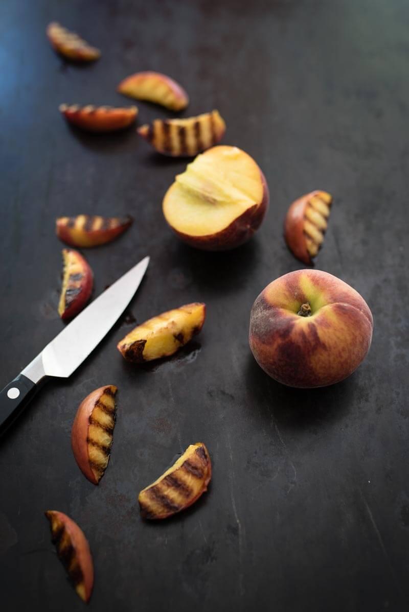 gegrilltes käsesandwich parmaschinken pfirsich trickytine
