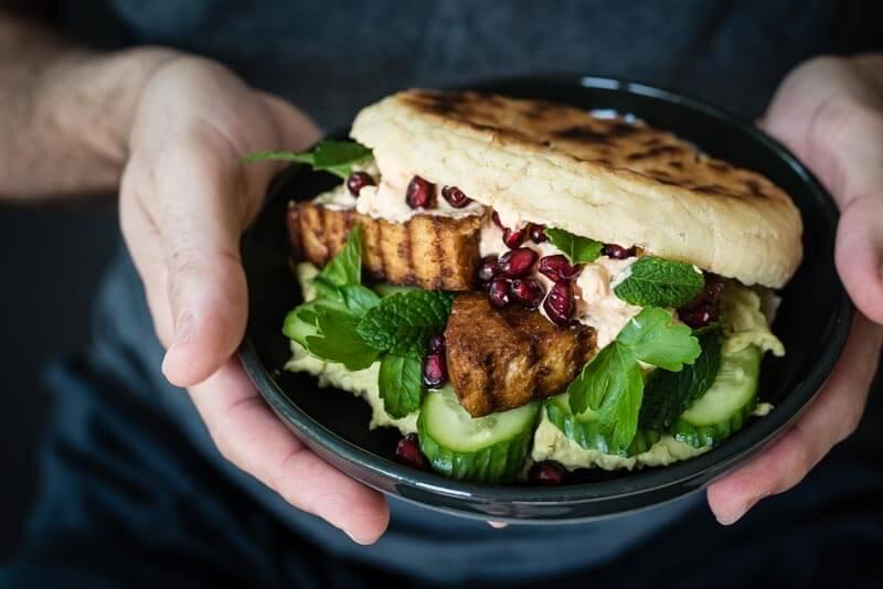 orientalischer veggie pita burger trickytine