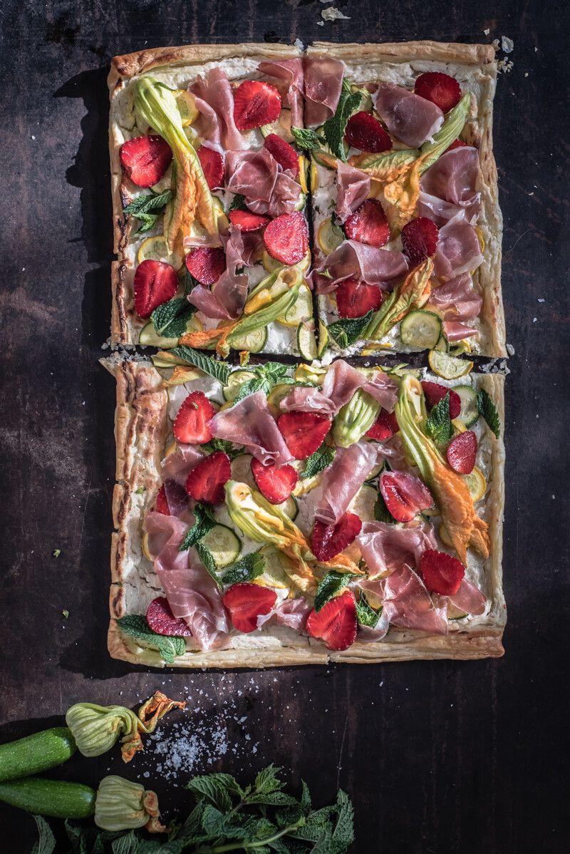flammkuchen trickytine zucchini erdbeeren ziegenfrischkaese