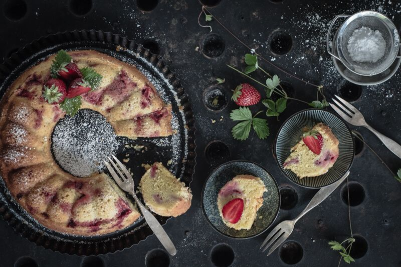 saftiger rührkuchen pistazien erdbeeren trickytine
