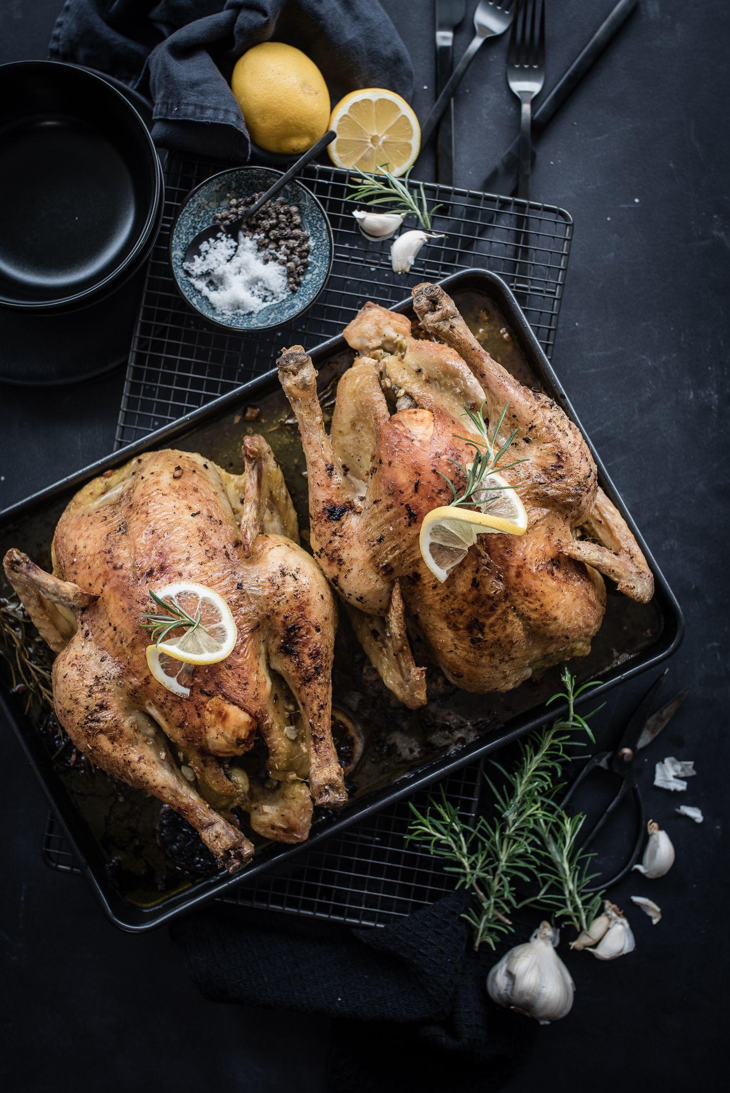 Köstliches Brathähnchen Mit Knoblauch Rosmarin Und Zitrone Aus Dem