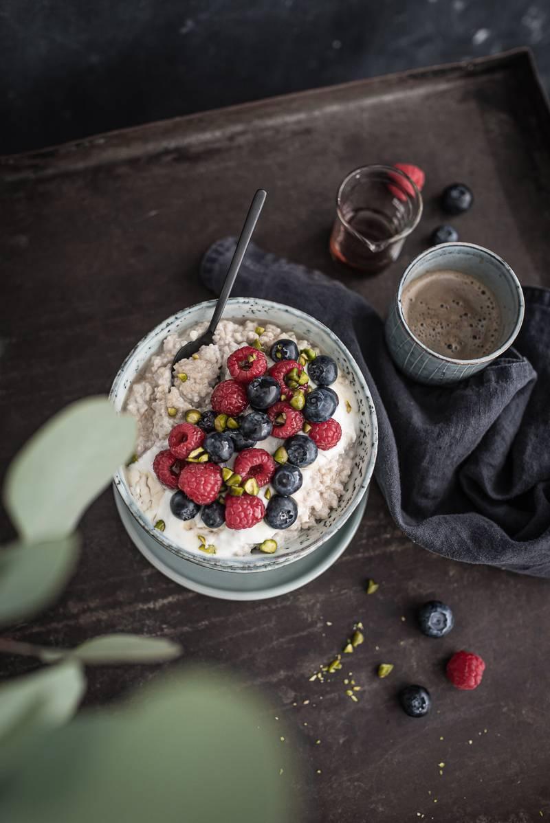 Couscous Porridge Beeren Foodblog trickytine Stuttgart