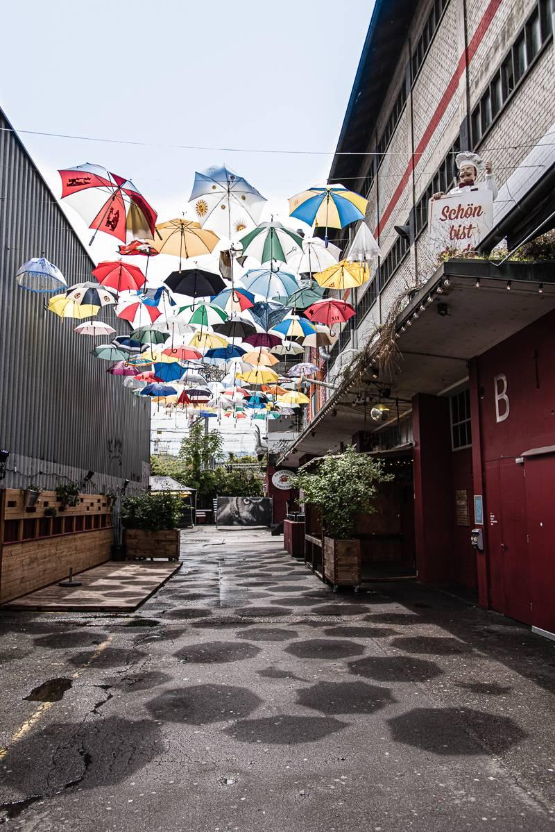 Zürich Tipps Sommer trickytine instagrammable Regenschirme