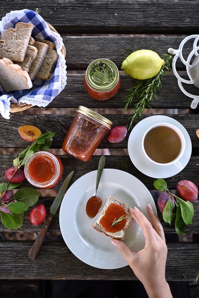 Zwetschgenmarmelade Rosmarin Zitrone trickytine Foodblog Fruehstueck