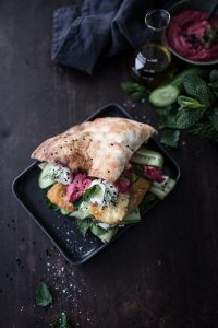 Halloumi Sandwich Rote Bete Hummus Rezept trickytine
