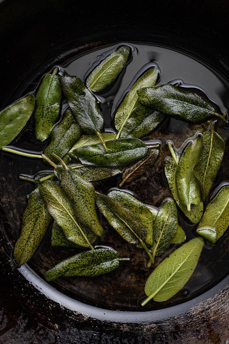 Hähnchenbrust Proscuitto Trauben Salbei Rezept trickytine