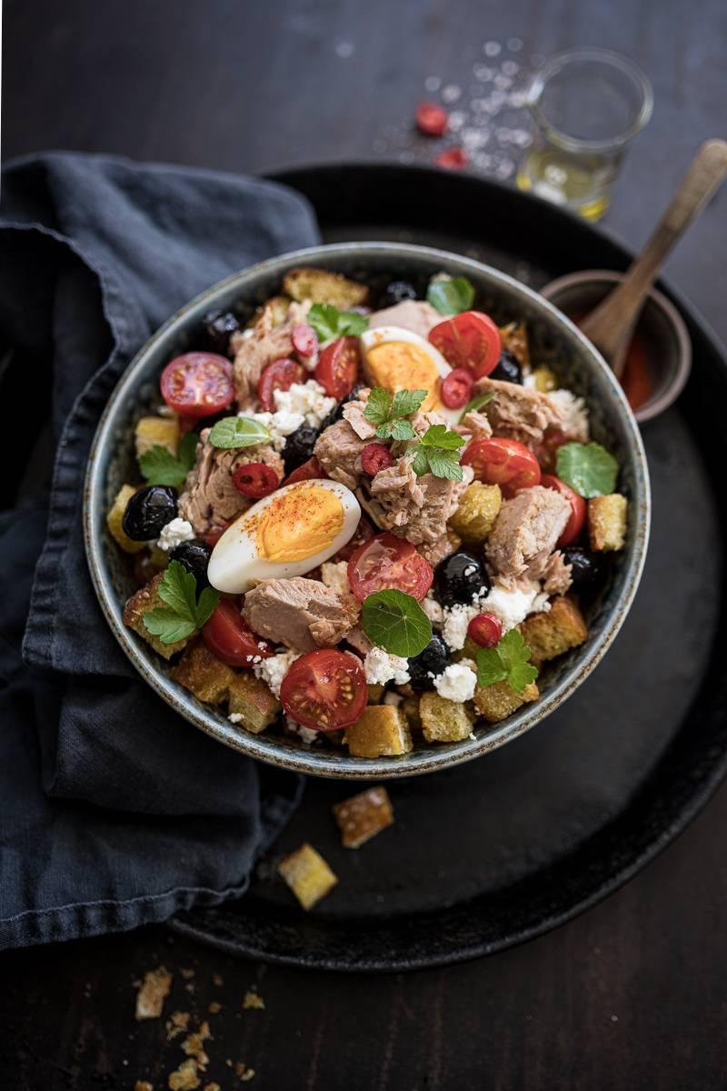 5 Salat-Rezepte, Brotsalat mit Thunfisch