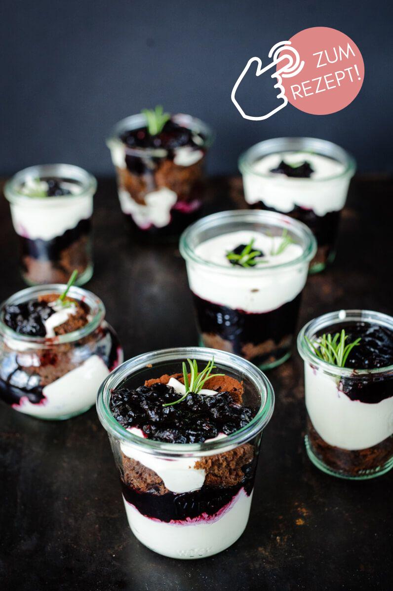Brownie-Rezepte, köstliches Brownie-Blaubeer Dessert im Glas