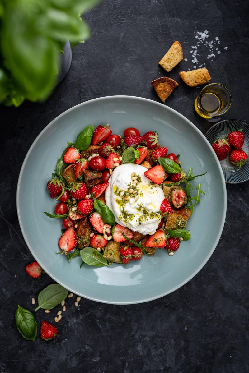 5 Aprikosen-Rezepte, Erdbeer Panzanella Burrata trickytine