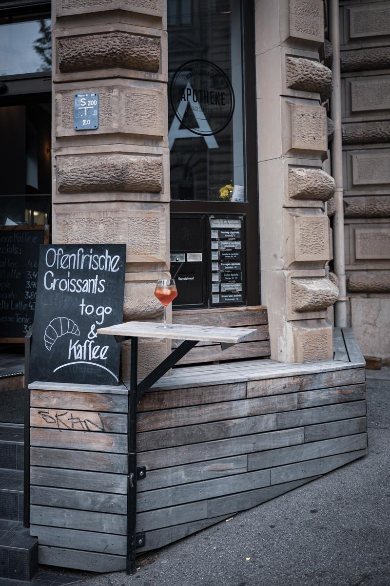 trickytine 7 Cafés in Stuttgart Apotheke